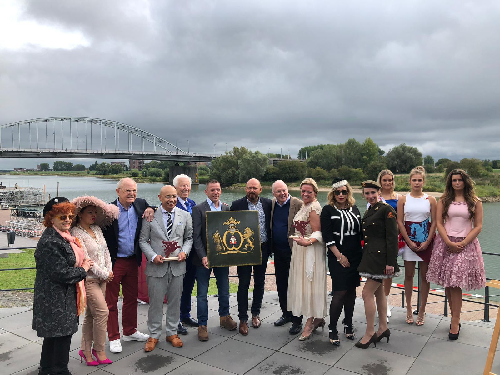 Stichting H.E.A.R.T ontvangt de Michiel de Ruyter prijs.
