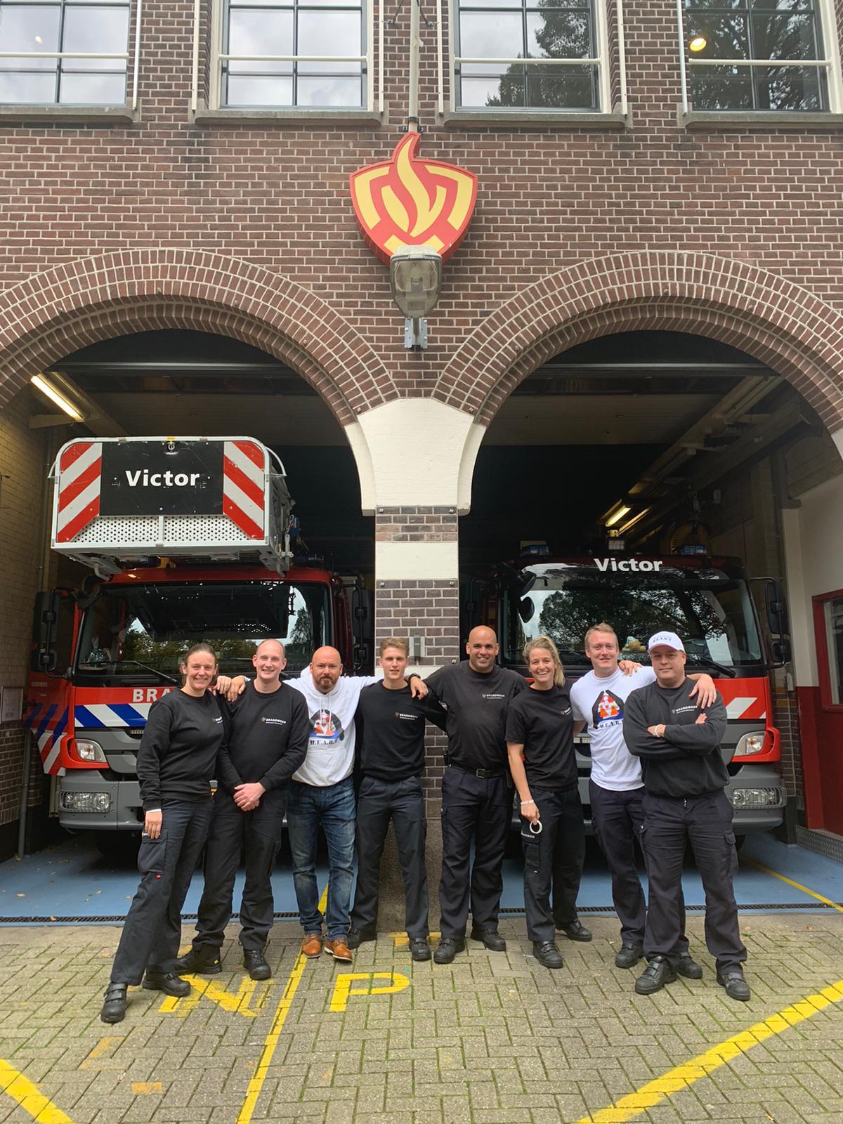 Marco op bezoek bij brandweerkazerne Victor
